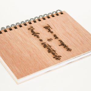 cuaderno personalizado y grabado con láser modelo 003