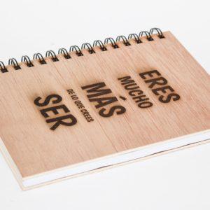 cuaderno personalizado y grabado con láser modelo 004
